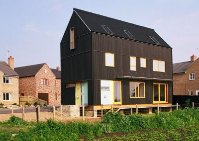 2004: Black House
